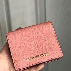 Micheal Kors  jet set Travel  short leather wallet